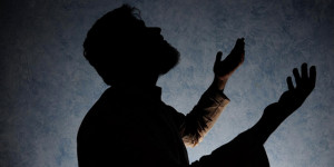 Pakistan-prayer-man-640-320-creative-commons