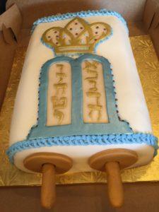 Torah mantel -- cake